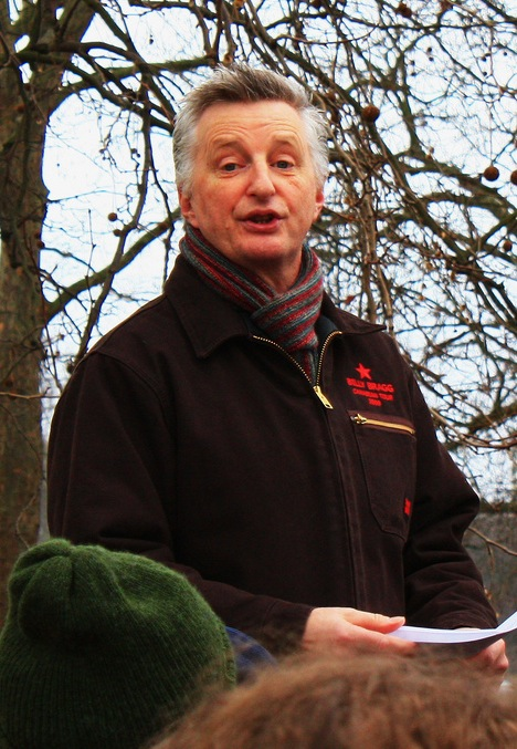 Billy Bragg, Speakers' Corner, London, 7 February 2010 by ed_needs_a_bicycle, on Flickr